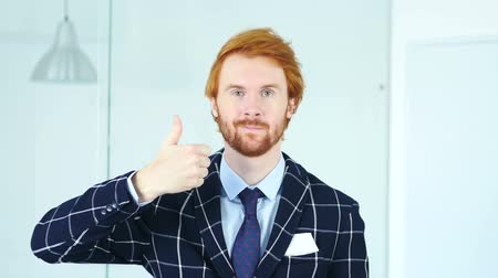 sikerül : Thumbs Up by Redhead Businessman with Red Hairs