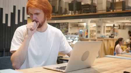 vöröshajú : Cough, Sick Redhead Beard Man Coughing, Sitting in Cafe