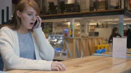 relaks : Woman Reacting to Disaster while Talking on Phone, Problem