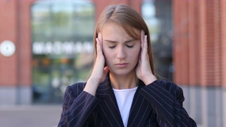 hüsran : Headache, Portrait of Tense Business Woman in Office Stok Video