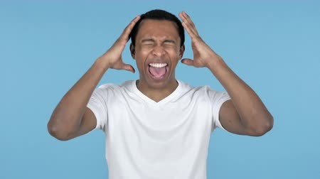 adversidade : Young African Man Screaming Frustrated Stock Footage