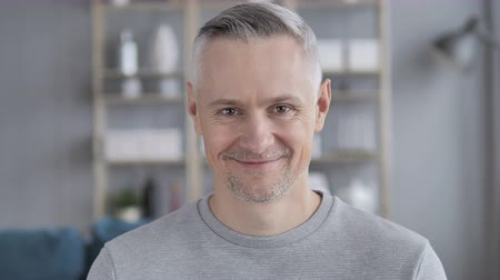 projektant : Yes, Positive Gray Hair
