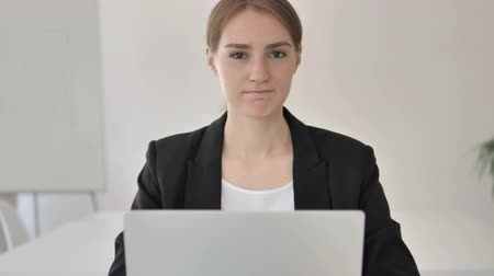 rejeitar : No by Young Businesswoman in Office Stock Footage