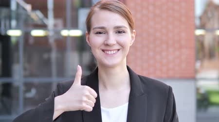 suceder : Thumbs Up by Young Businesswoman, Outdoor Vídeos
