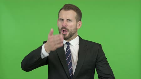 gritar : Frustrated Young Businessman doing Shouting against Chroma Key Vídeos