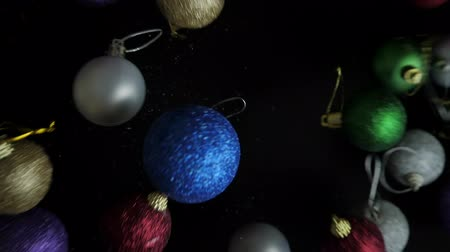 безделушка : Christmas ball moving up slow motion Стоковые видеозаписи