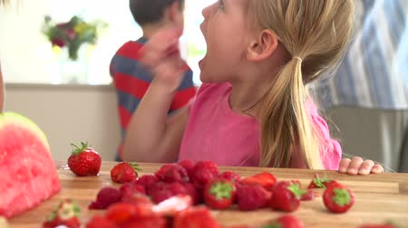 çilek : Slow Motion Sequence Of Girl Eating Strawberry
