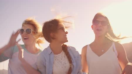 друзья : Female Friends On Road Trip In Convertible Car Shot On R3D