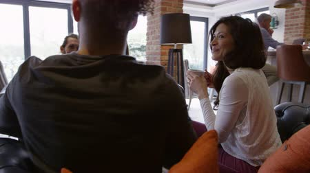 кофе : Group Of Friends Meeting For Coffee In Bar Shot On R3D