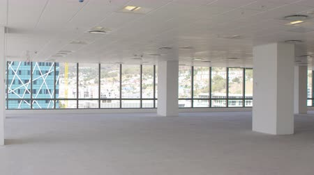 nem városi színhely : Empty Interior Of Modern Office Shot In Slow Motion Stock mozgókép