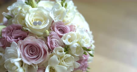 buket : Bouquet of fresh roses. Wedding bridal bouquet.