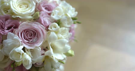 хрупкость : Bouquet of fresh roses. Wedding bridal bouquet.