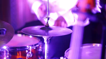 percussão : Musician playing drums during rock concert