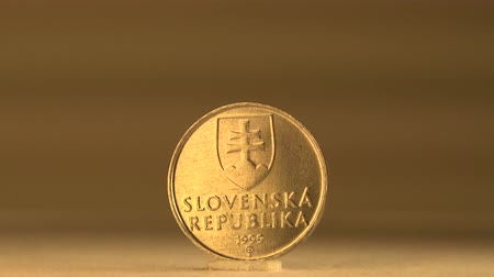 мята : Historical Background of Slovakia 10 Cent Coin This Slovakian  10 cent coin features the historical background of its place.