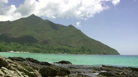 filipíny : (timelapse) Tropical Paradise Mountain Sea In Philippines The time lapse video of tropical paradise mountain and sea in Philippines.