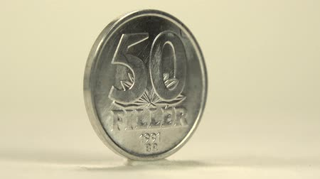 mudança : 50 Filler Hungarian Coin Take a closer view of this 50 filler of Hungarian coin.