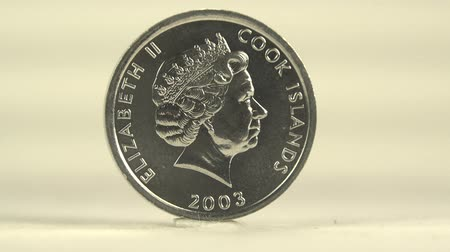 luksus : Cook Island Dollar This one cent of Cook Island coinage on white backdrop. Wideo