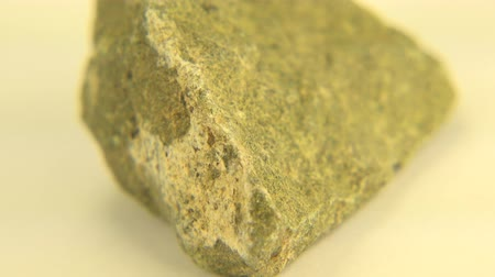 espécime : The perfect shot of epidote from Arendal, Norway in white background.