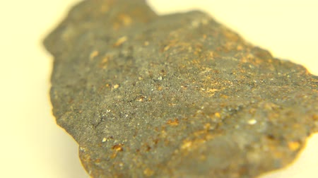 minério : Look how raw this mineral, iron ore magnetite coming from Nordmark, Sweden.