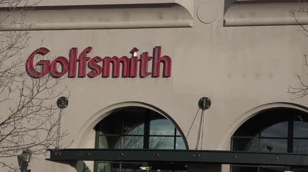 cavalheiro : The Golfsmith in its outer building view captured in a cloudy day.