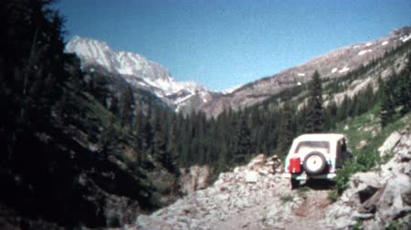 archívum : 8mm Vintage 1966 Jeep Mountain Driving