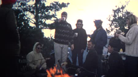 sinematografi : 8mm Vintage 1968 Bohemian Campfire Cooking Party