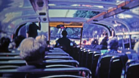 siyasi : 1969: Double decker tour bus view is a popular attraction to see the city. Stok Video