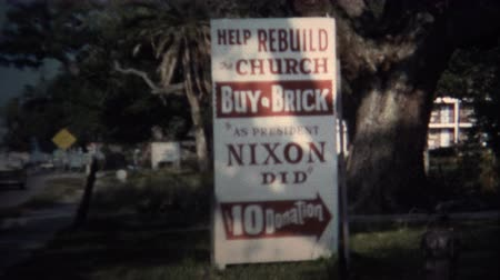 NEW ORLEANS, LA -1971: Rebuild church fundraising President Nixon did sign. Wideo