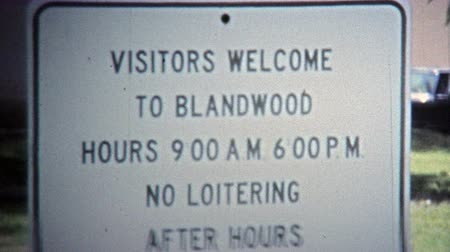 BLANDWOOD, NC -1971: Blandwood Mansion rules keep the town safe. Wideo