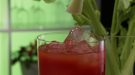 garniture : Tomato juice garnished with a stick of celery