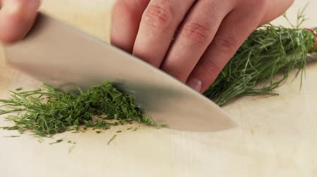 kökenleri : Dill being chopped
