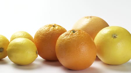 limon : Grapefruits, oranges, lemons, limes and kumquats Stock Footage