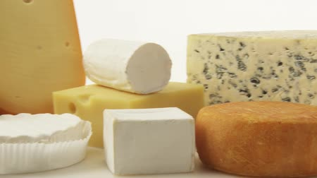 крупные планы : Various cheeses Стоковые видеозаписи