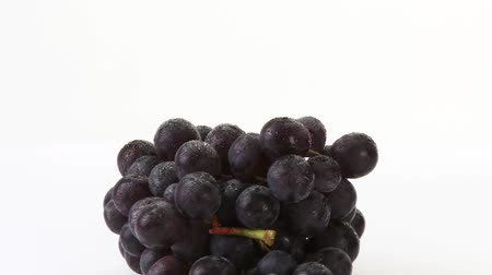 pivoting : Red grapes