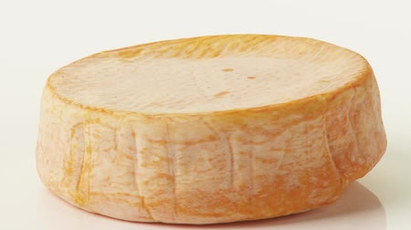 lavado : A whole washed rind cheese
