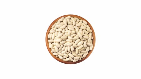outlinable : White beans in a dish