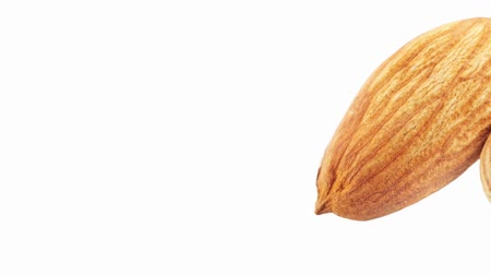 mandula : Two shelled almonds