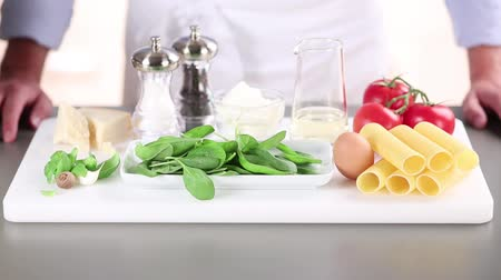 soft cheeses : Ingredients for cannelloni with a spinach and ricotta filling