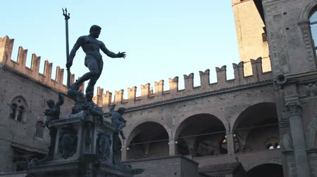 triton : Medium wide shot of statue in plaza at Bologna Stock Footage