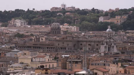 vatikan : A wide shot of the rooftops of Rome Italy.