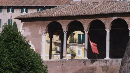 watykan : A shot of a flag waving on a building in Rome Italy. Wideo