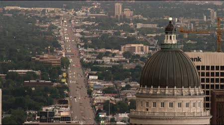 devletler : Point of view from the top of the Capitol Building of traffic in Salt Lake City, UT at dusk