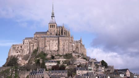 normandie : Bright shot of Mont Saint Michel castle and monastery. Shot in France. Stock Footage