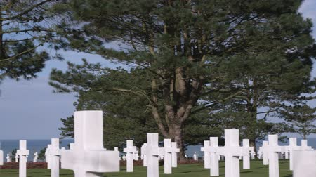 Нормандия : Panning shot of the American cemetery in Norman France.
