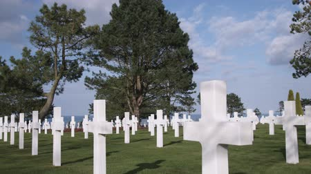 Нормандия : Panning shot across the American cemetery in Norman France.