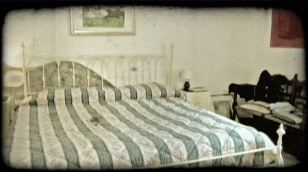 esquerda : Pan left shot of the interior of an Italian home. Vintage stylized video clip. Stock Footage