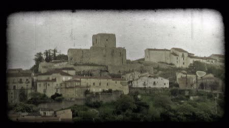 tahıllar : Distant shot of an Italian Town. Vintage stylized video clip.
