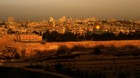 jeruzalém : Sunrise time-lapse from the Mount of Olives overlooking the Dome of the Rock. Cropped. Dostupné videozáznamy