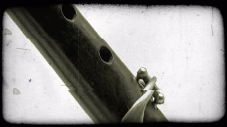 samuraj : Close-up tilting shot of a katana sword. Vintage stylized video clip. Wideo