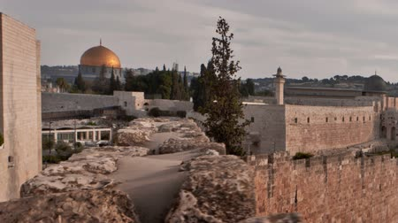 jeruzalém : Sunrise time-lapse from the BYU Jerusalem center shot decending stairs. Shot in Jerusalem, Israel. Cropped.